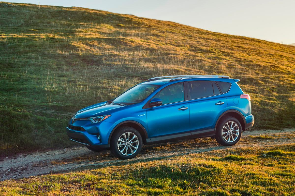 The 2016 Toyota RAV4 will see an extensive makeover for the new model year