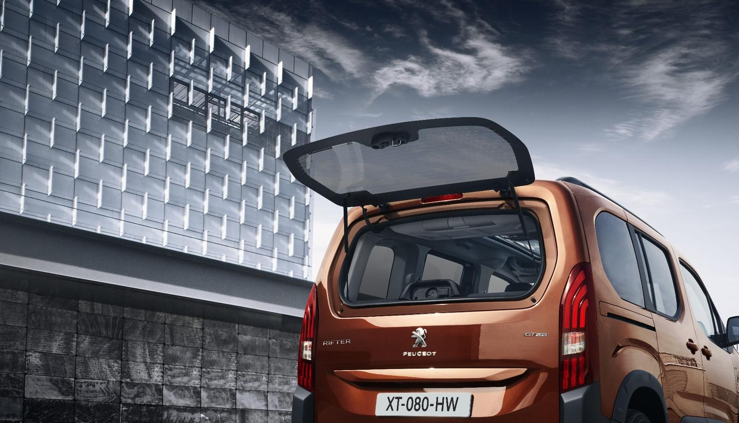 The Peugeot Rifter includes an opening tailgate window