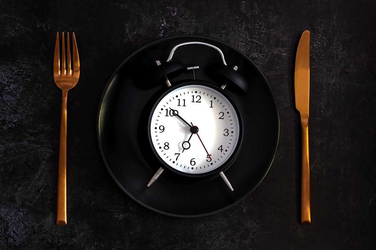 A clinical trial found little difference in beneficial effects comparing a daily six-hour eating window with a four-hour window