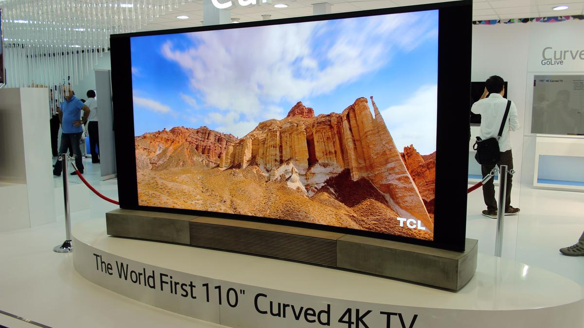 TCL's 110-inch China Star Curved Ultra-HD TV at IFA 2014 in Berlin (Photo: Chris Wood/Gizmag)