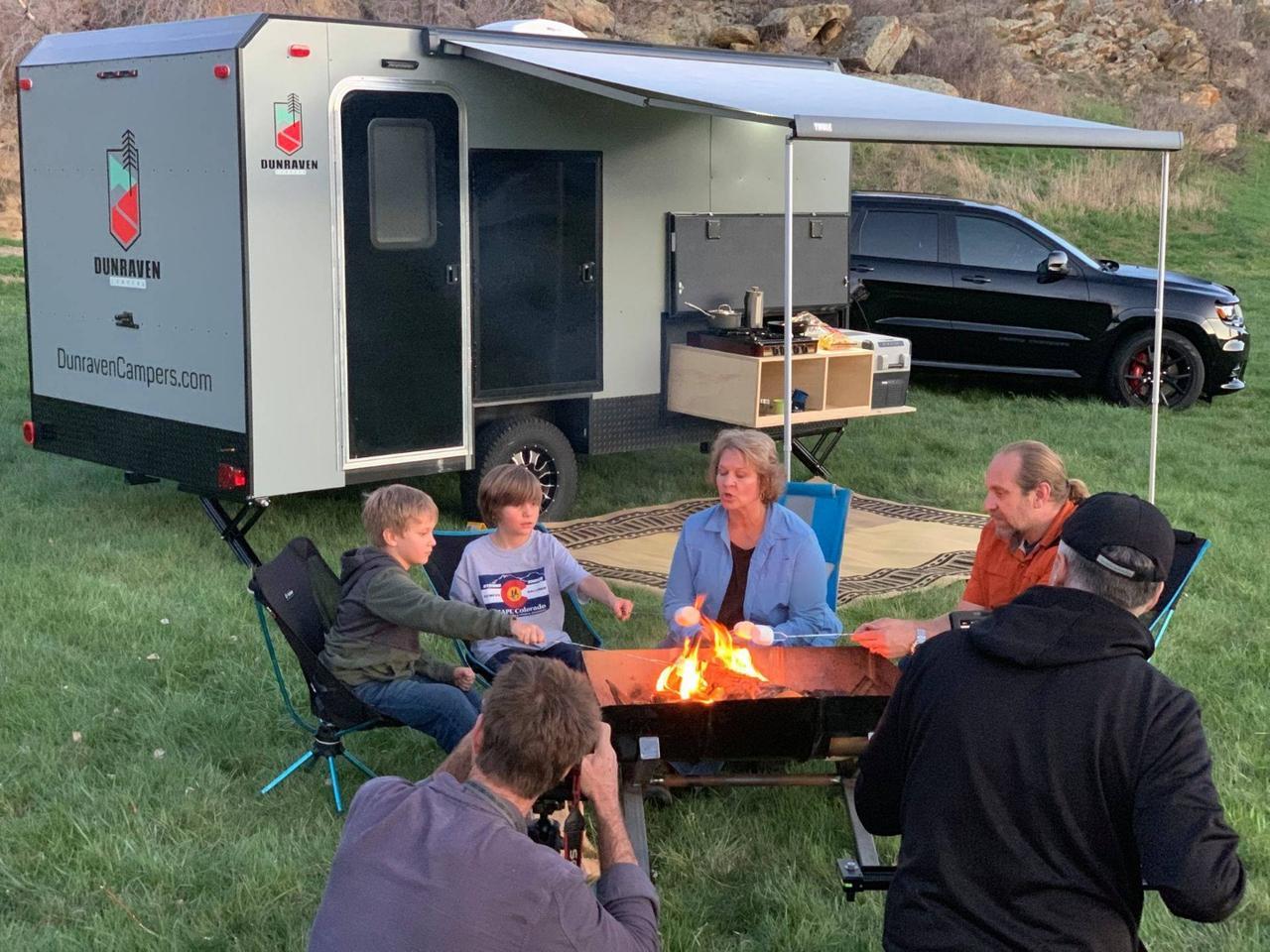 가족 캠핑 여행 즐기기
