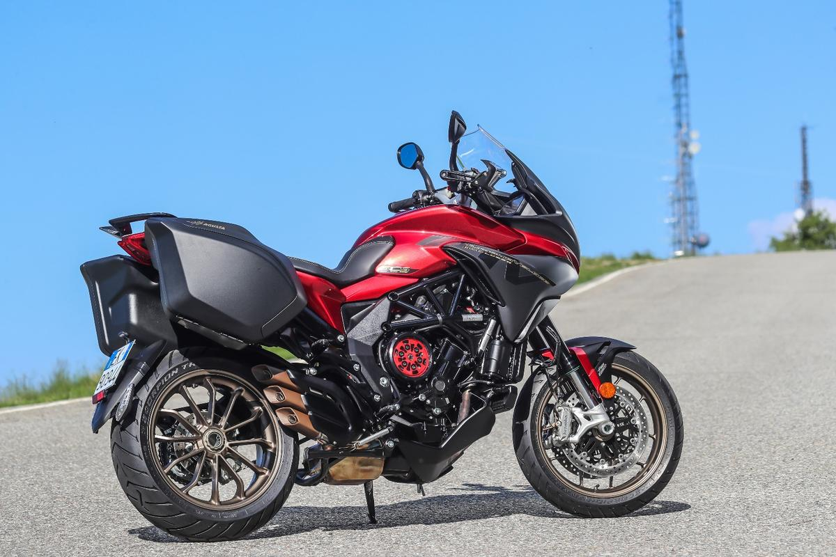 MV Agusta Turismo Veloce Lusso SCS: everyone will notice that bright red clutch pressure plate