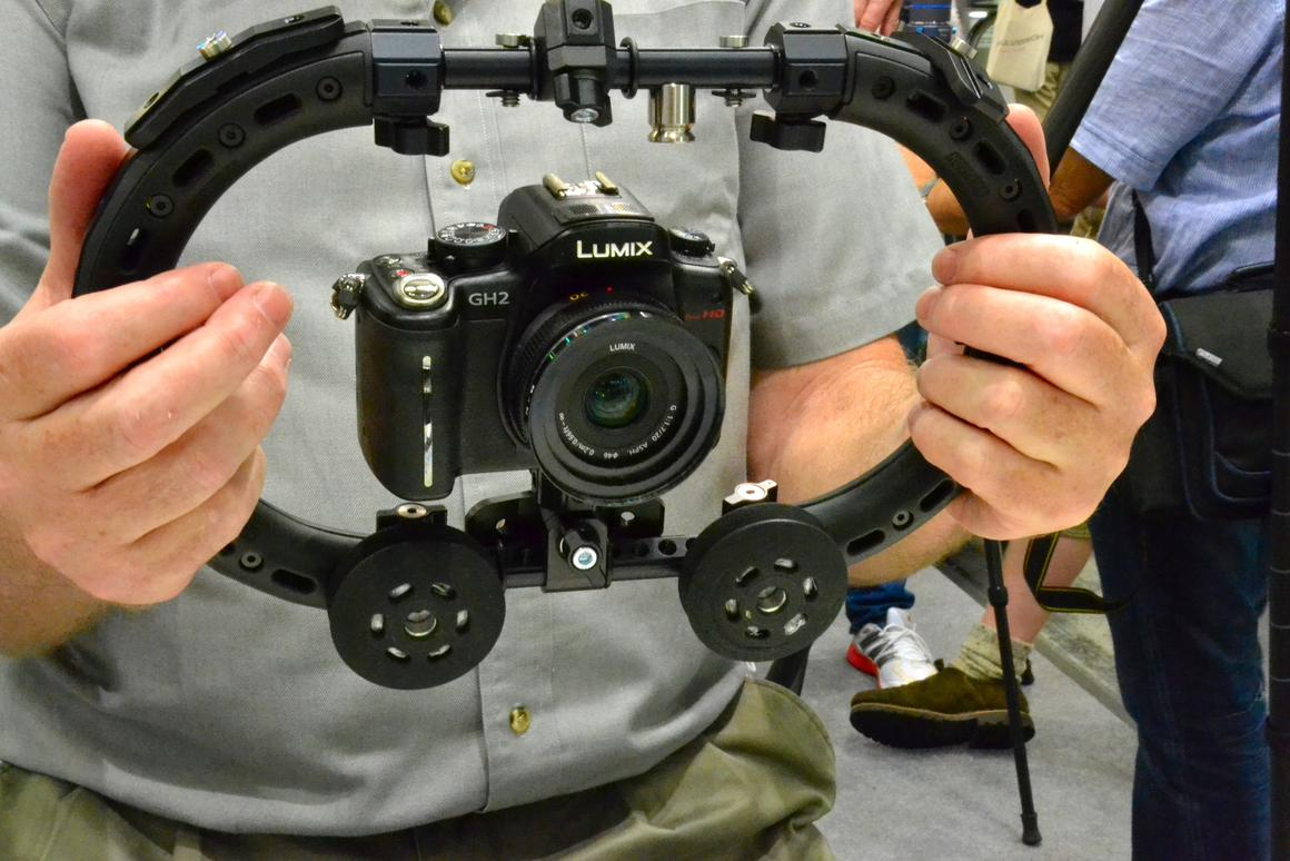 Inventor Mees Baayen demonstrates the Ultra Allround kit rig (Photo: Paul Ridden/Gizmag)