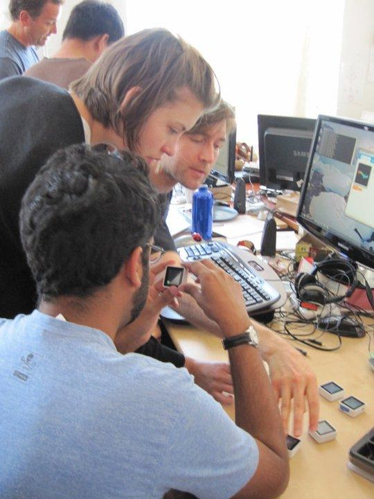 The Sifteo team working on the Sifteo Cubes Intelligent Play system