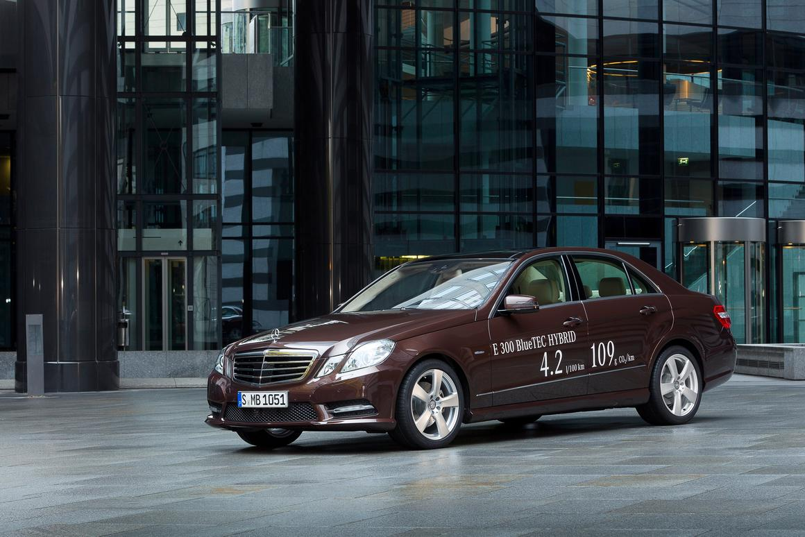 The Mercedes-Benz E 300 BlueTEC HYBRID (pictured) will debut in Detroit alongside the E 400 HYBRID