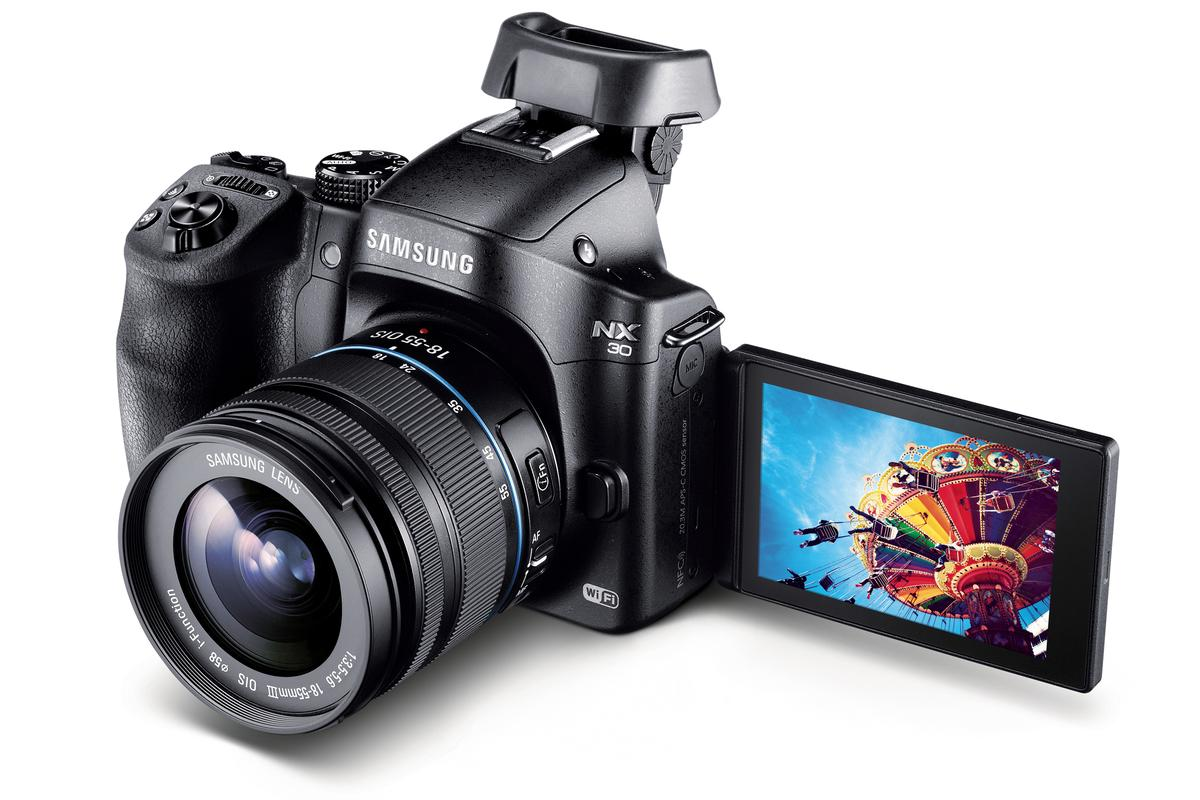 The new Samsung NX30 features a number of substantial upgrades over its predecessor, the NX20