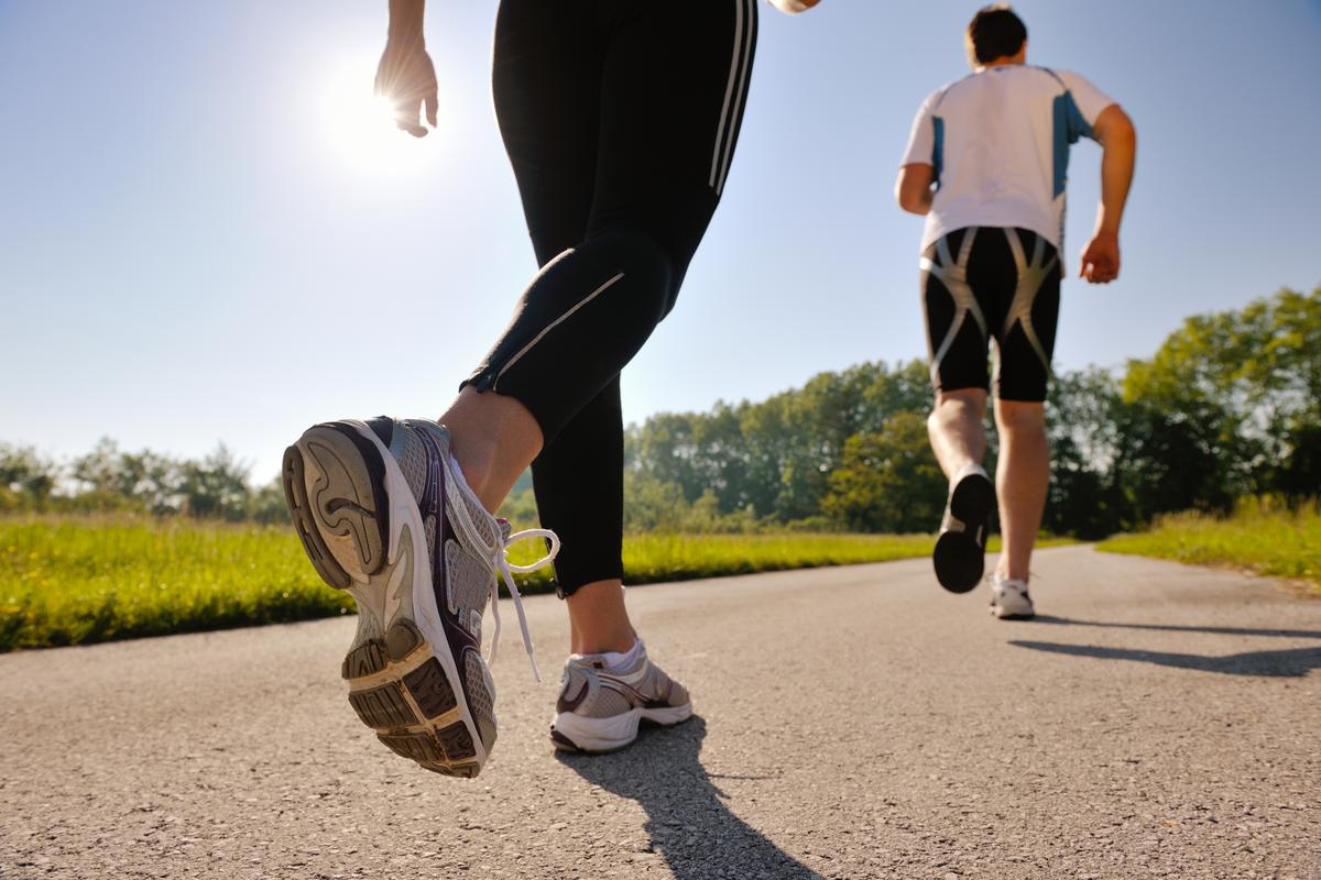 New research suggests running just once a week can significantly lower the risk of early death