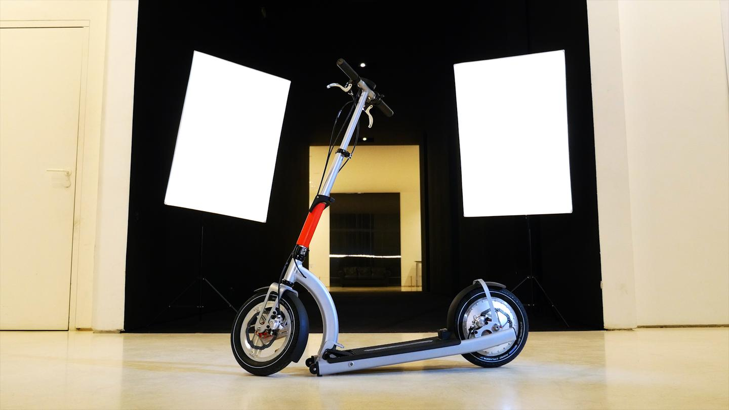 The ElectricMood folding electric scooter