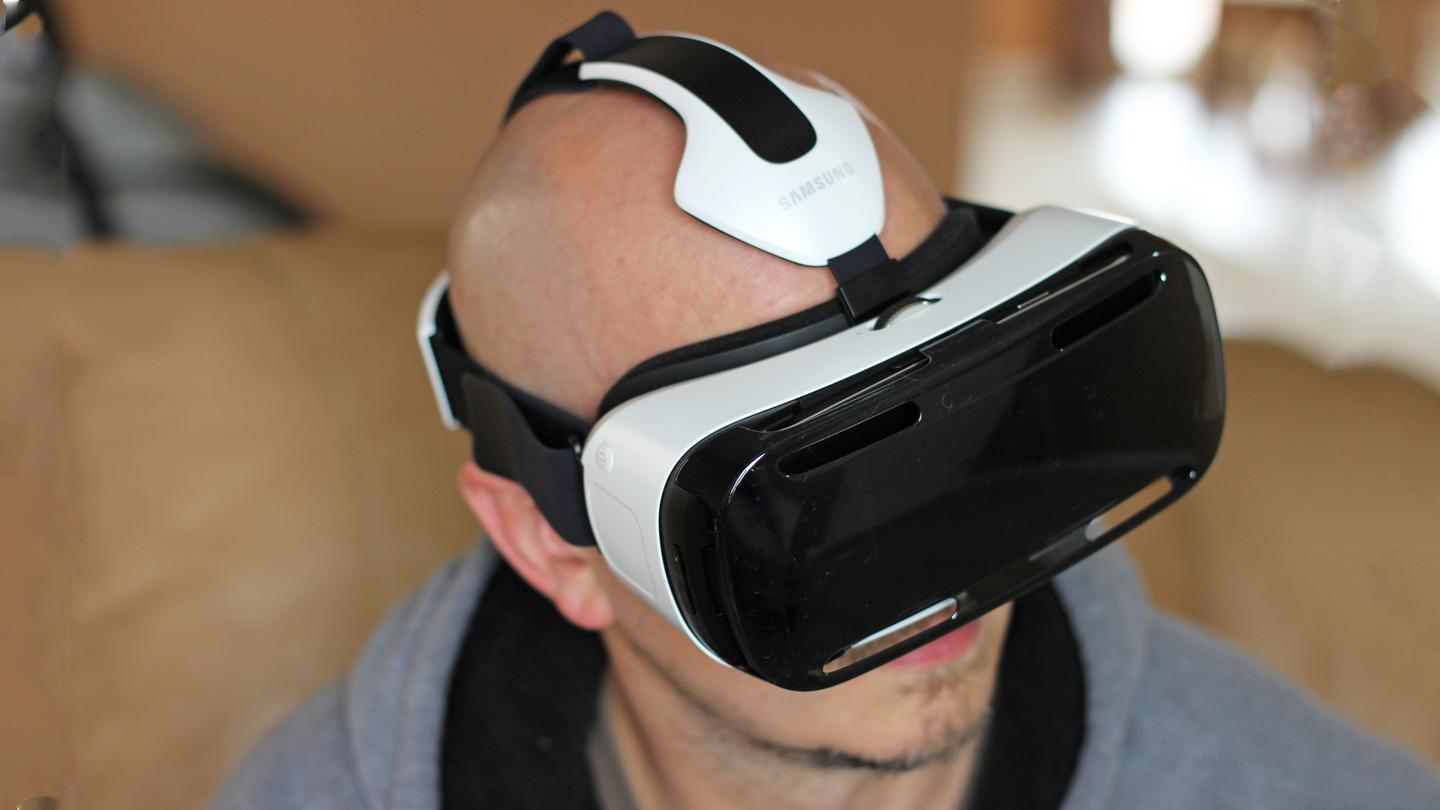 The original Gear VR (pictured) now has an improved sequel that's compatible with the new Galaxy S6 and Galaxy S6 edge (Photo: Will Shanklin/Gizmag.com)