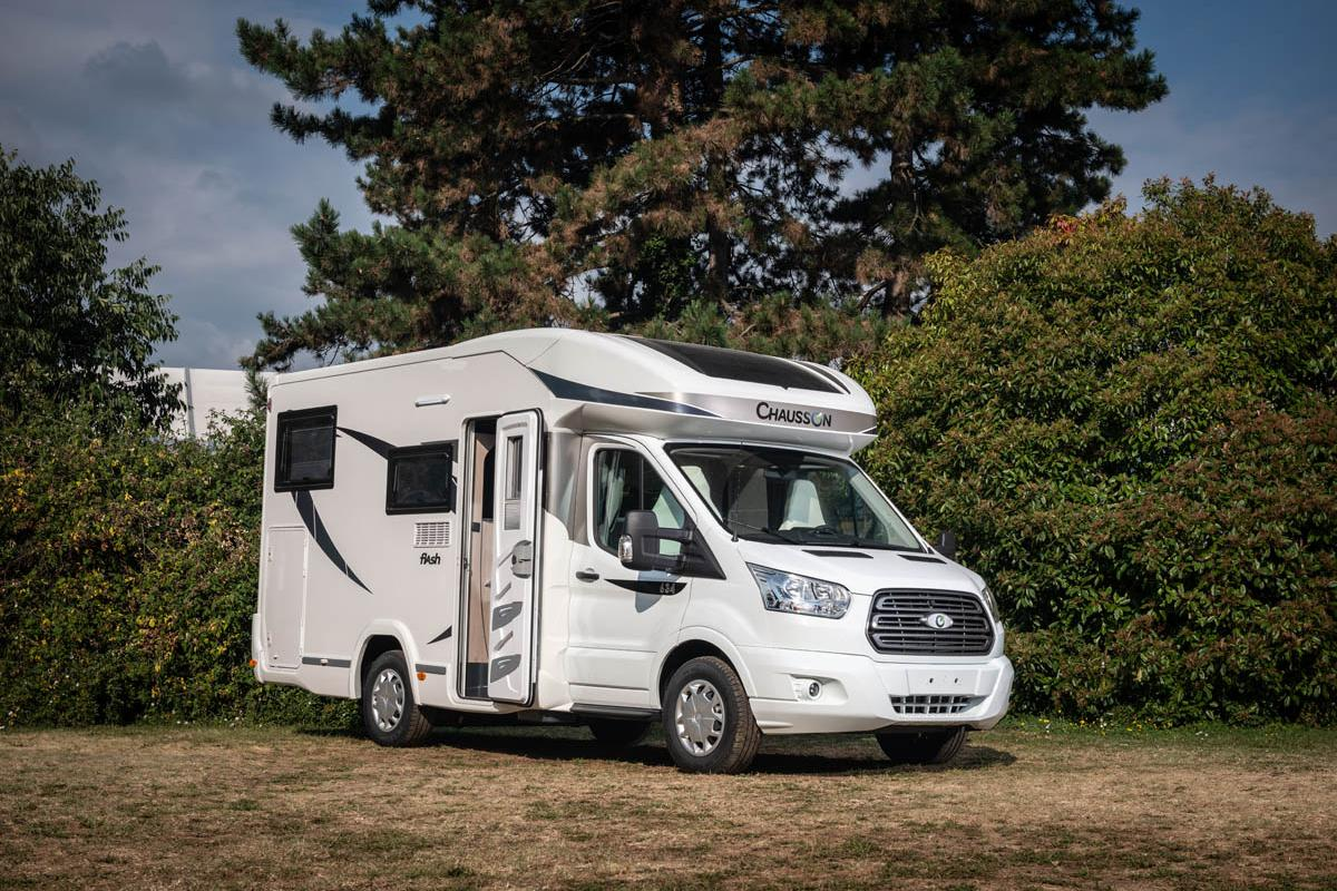 The Chausson Flash 634 measures 21 ft in length and pairs a fiberglass motorhome module with a Ford Transit chassis