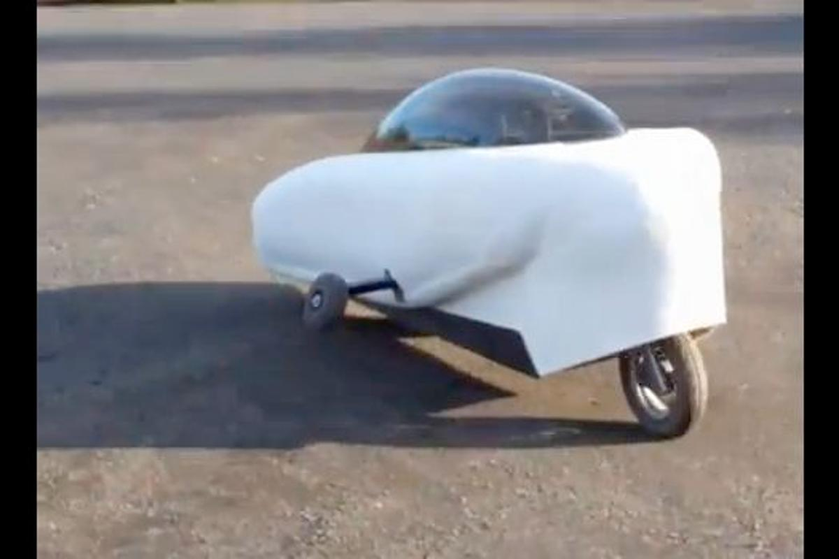 Thrustcycle has unveiled a new version of its self-balancing inline-wheeled prototype electric vehicle, the SRT