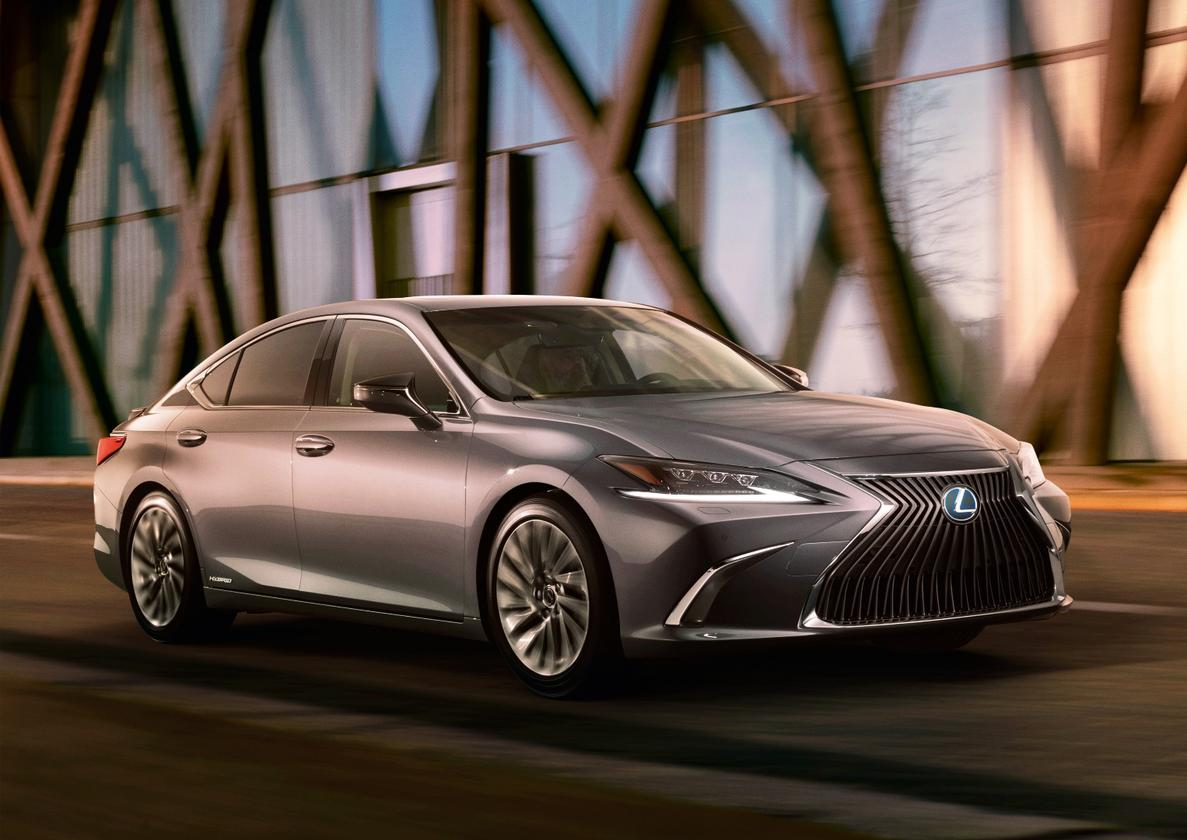 The 2019 Lexus ES, debuting in China, will likely carry the first of the connected vehicle technologies Toyota promises for 2021