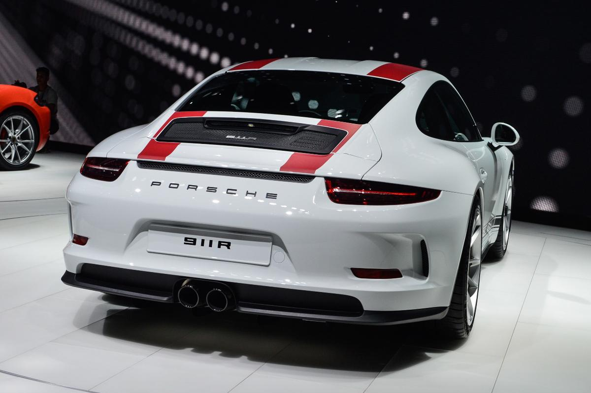Porsche 911 R: Porsche has designed this car to be a stripped back corner carver, not a traffic light dragster