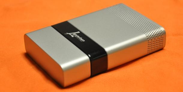 The portable LSI fuel cell (Photo: Lilliputian Systems Inc)