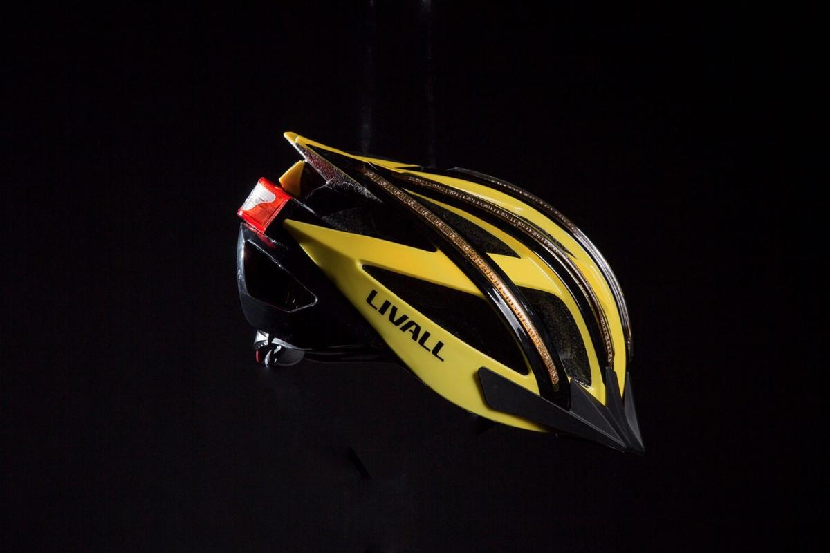 The Livall smart helmet offers connectivity with a smartphone over Bluetooth 4.0