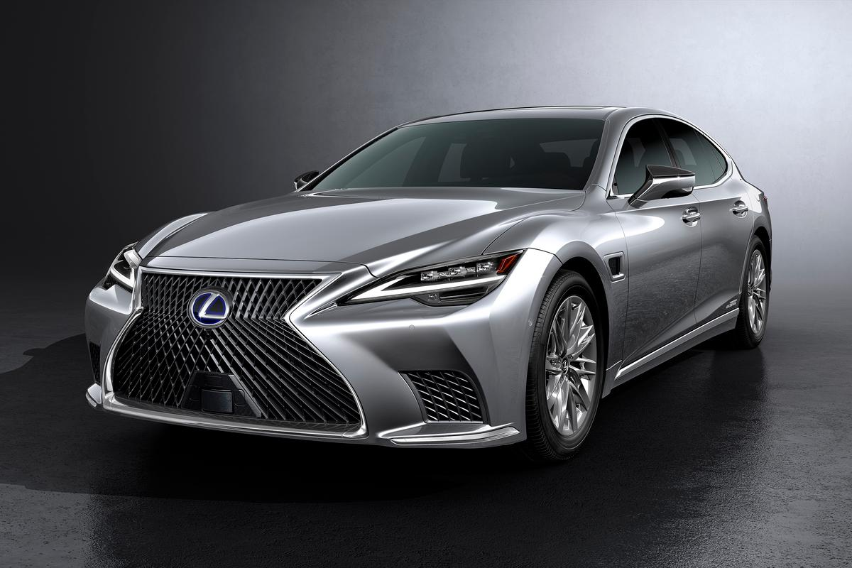Styling, infotainment and technology upgrades for the 2021 Lexus LS luxury sedan