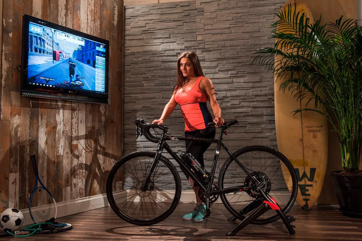 The Falco eDrive system lets yourace interactively while exercising and recharging the battery