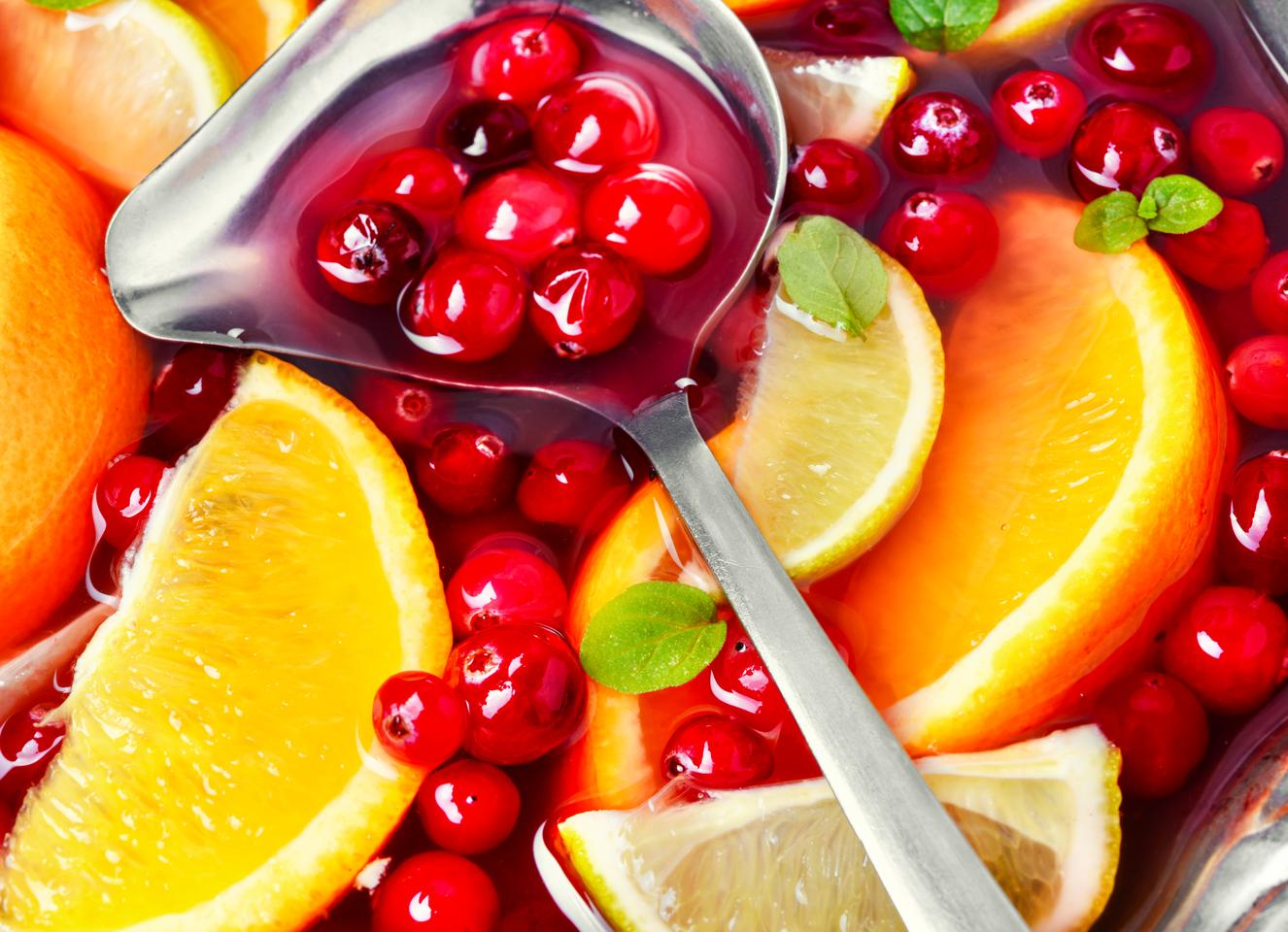 Cranberries and citrus go well together – particularly when it comes to neutralizing food-borne viruses