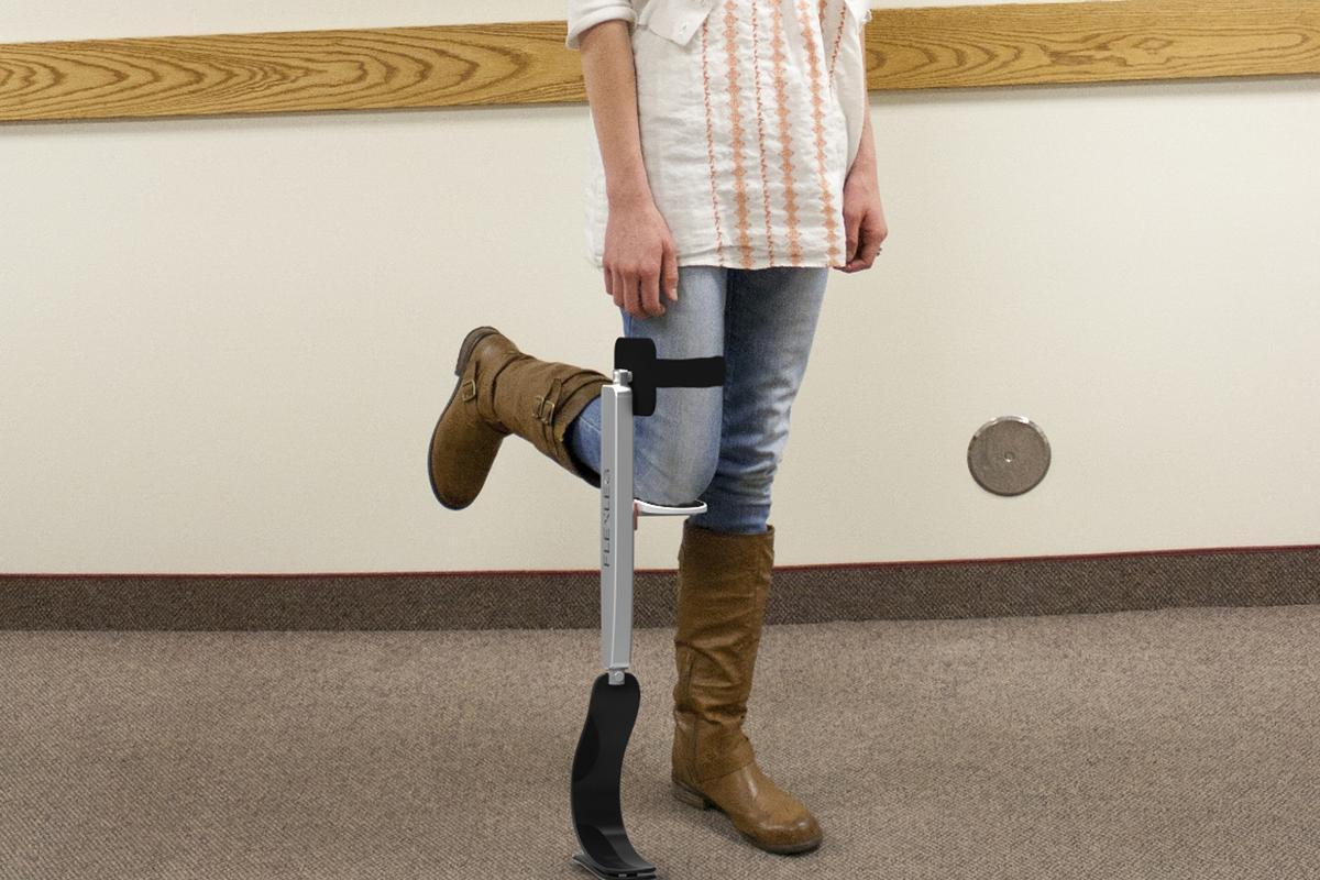 A simple concept, the Flex Leg props your injured leg for more natural movement (Photo: Flex Leg)