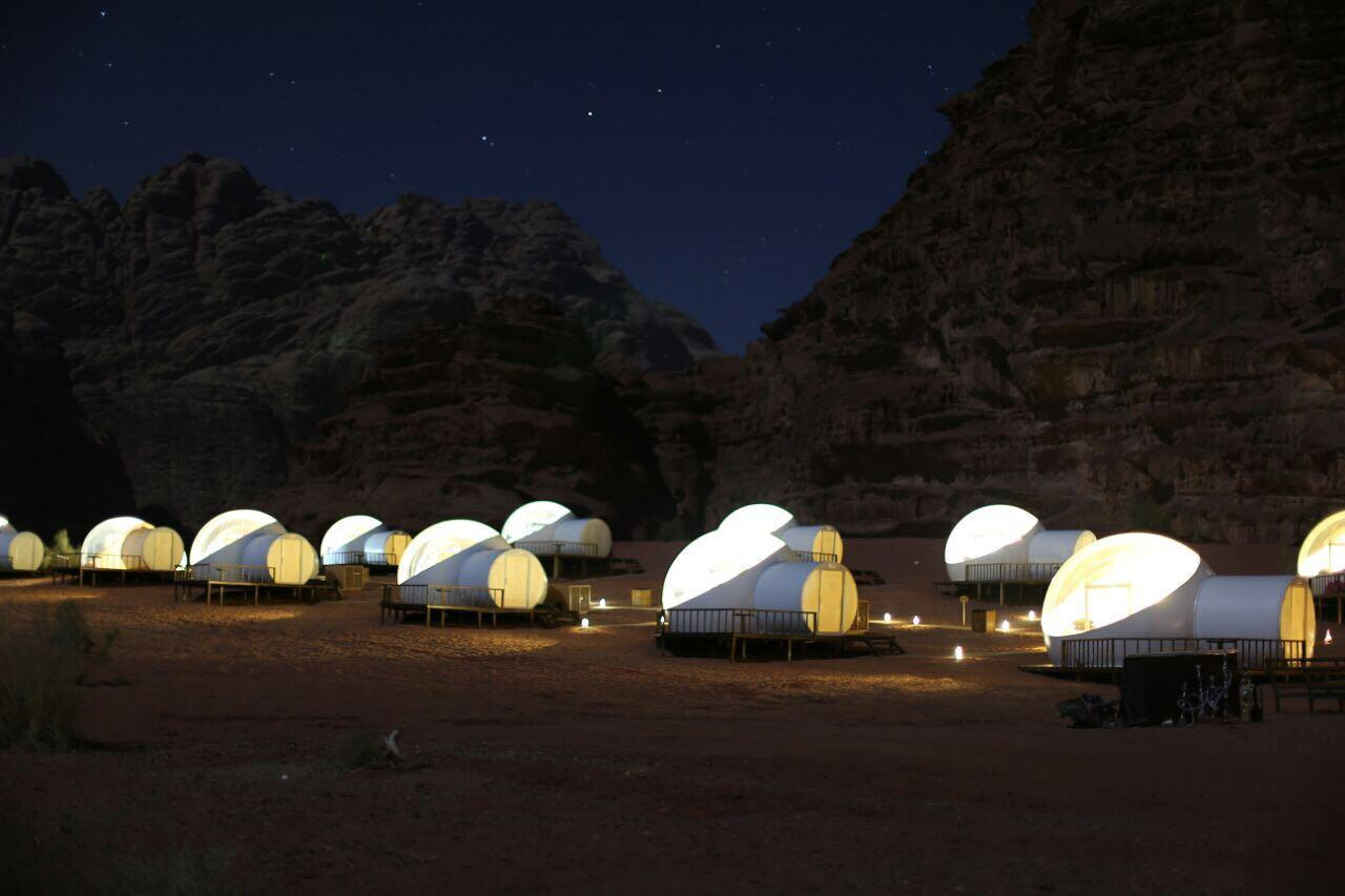 These amazing desert bubbles can be found in the Wadi Rum Desert in Jordan. The Full of Stars Hotel is situated among sandstone mountains and feature all the bubble luxuries you would expect including a king sized bed and an adjoining bathroom bubble