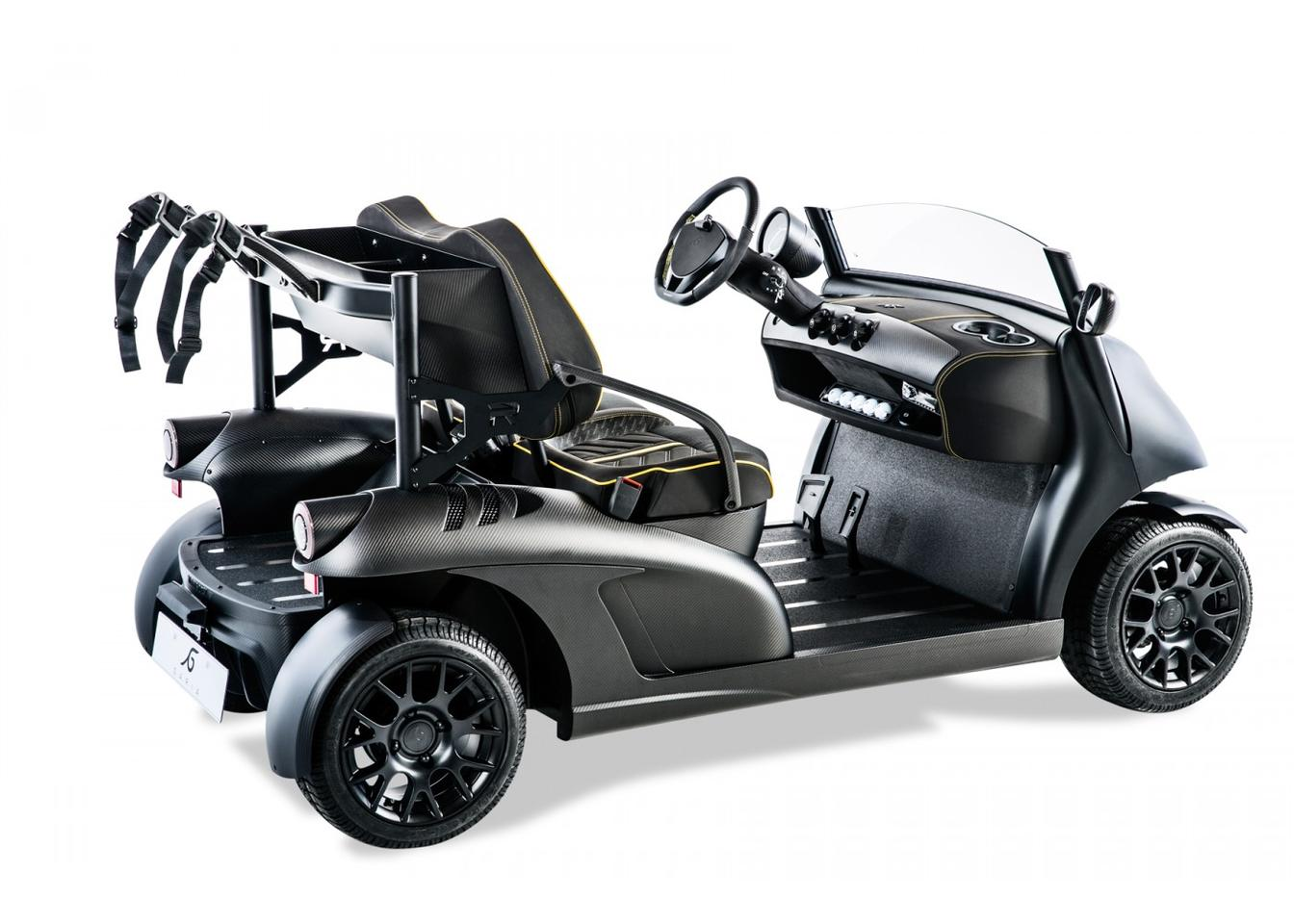 Garia teamed up with top-end luxury car customizer Mansory to create the Garia Mansory Currus