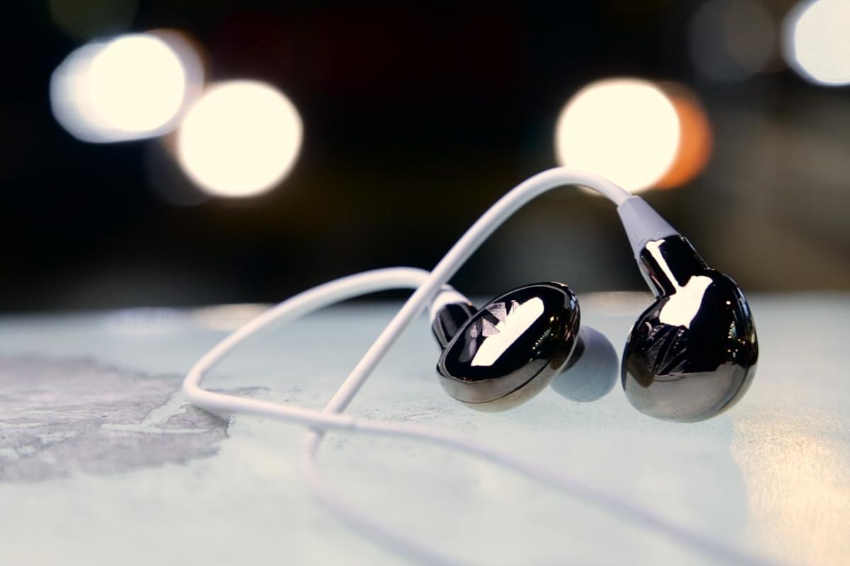 The Aero digital earphones from Zorloo