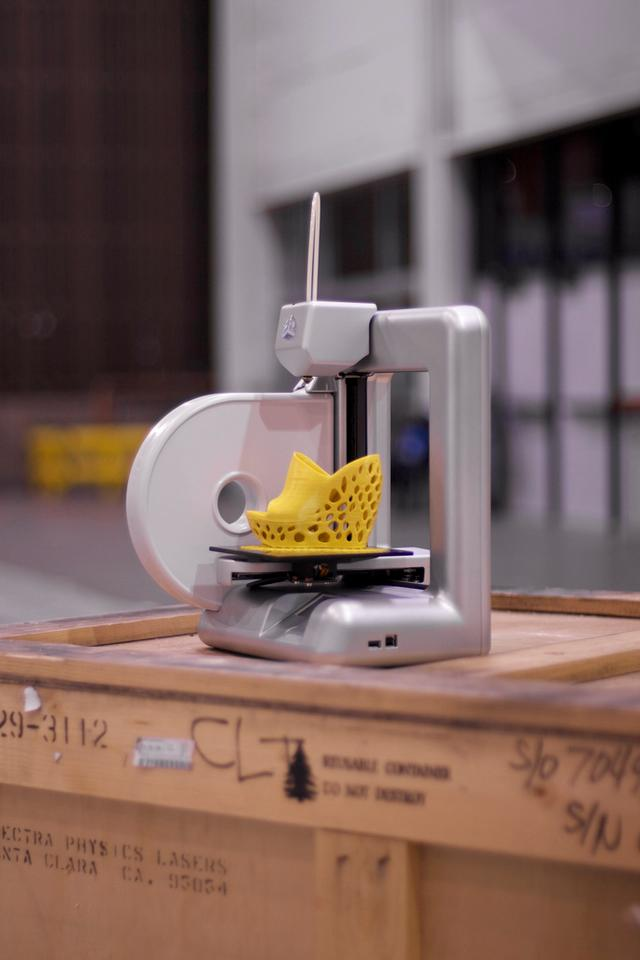 No assembly required for Cubify 3D printer