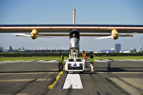 Solar Impulse preparing for flight at the Paris Air Show in June 2011 (Photo: Solar Impulse)