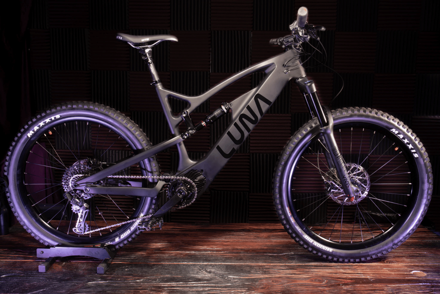 Carbon frame, 2,000-watt mid-drive, high spec componentry, impressive price