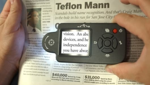 Clarity's i-vu digital magnifier