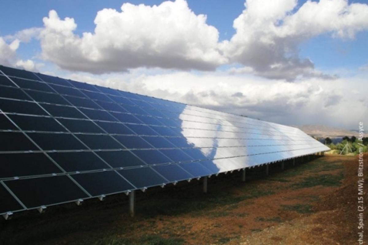 First Solar has broken the $1 per watt price barrier