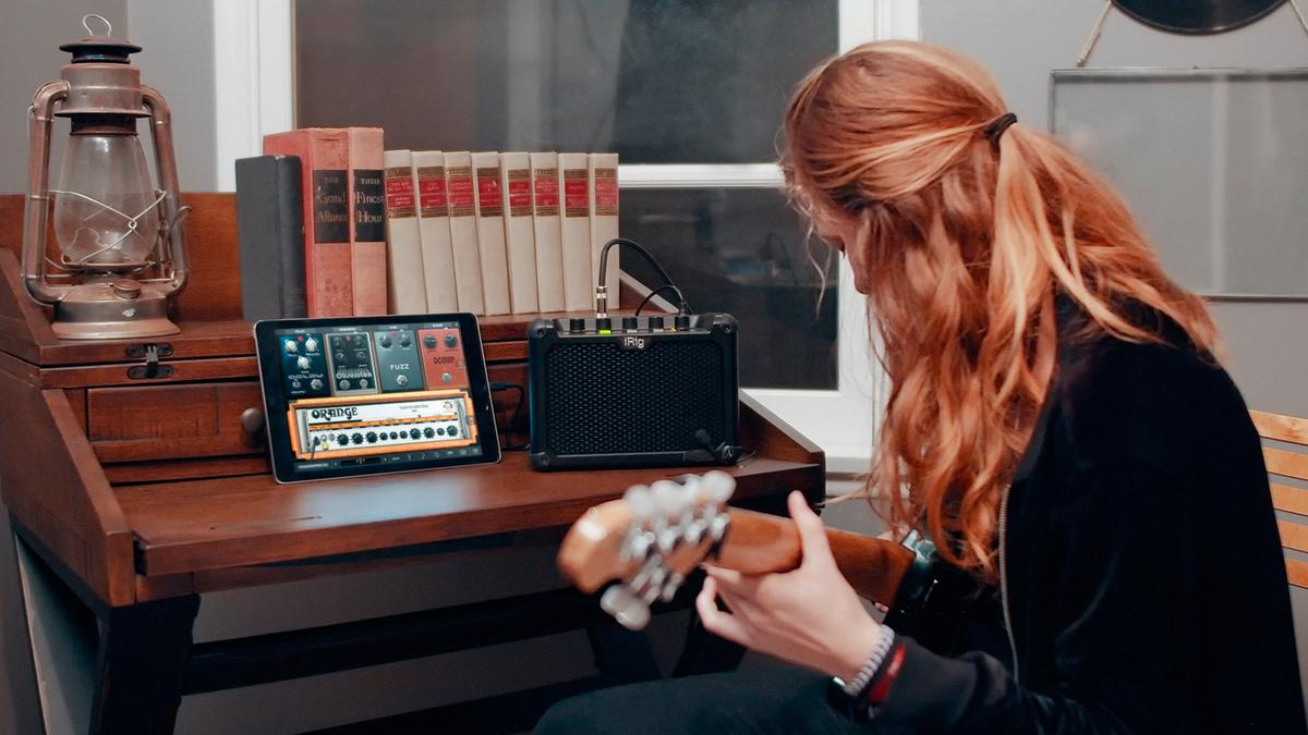 The iRig Micro Amp comes bundled with IKMultimedia's powerful amp and stomp software, AmpliTube