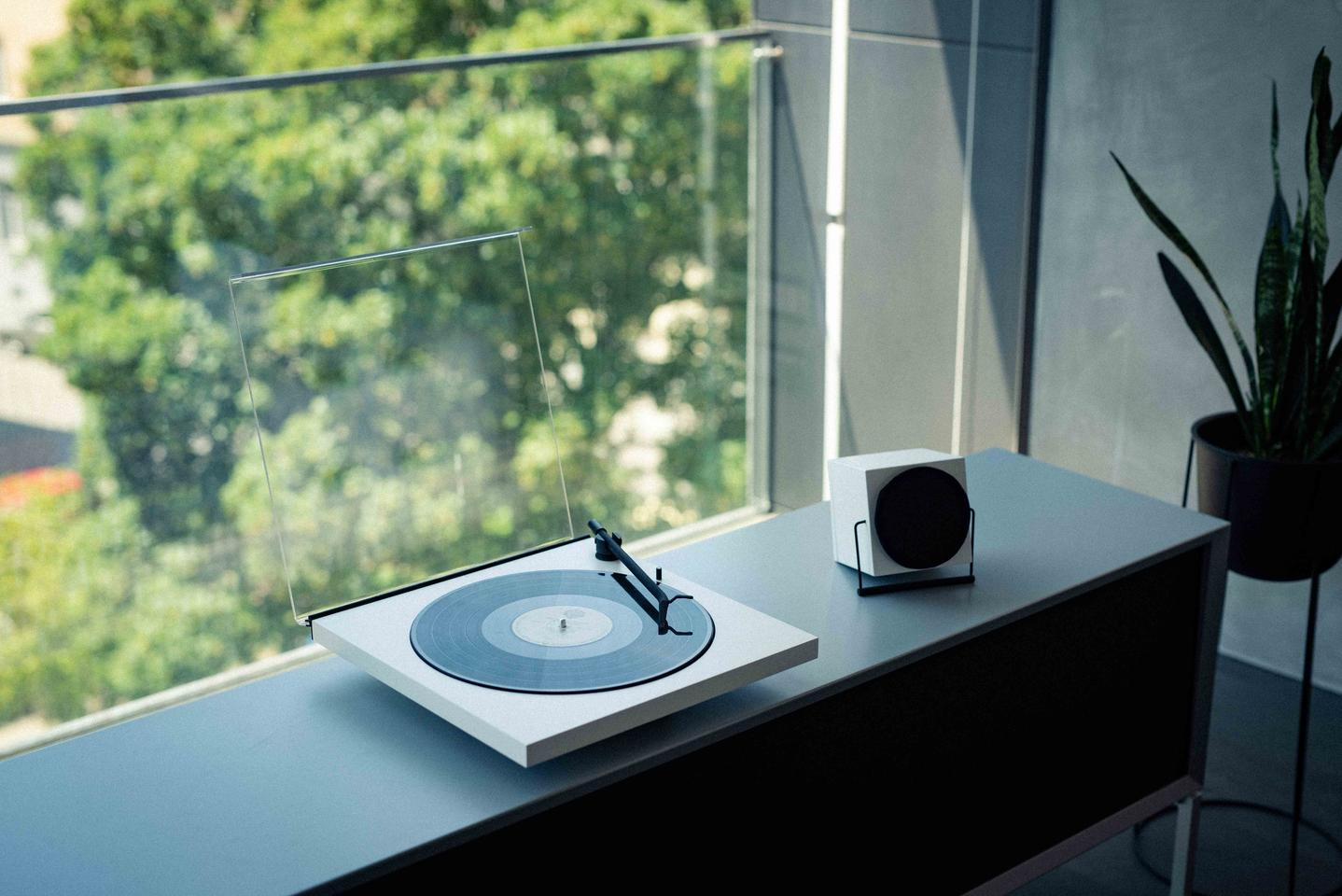 Users can opt to pair the Tone Factory turntable with a Bluetooth speaker, or cable it up to their living room hi-fi system