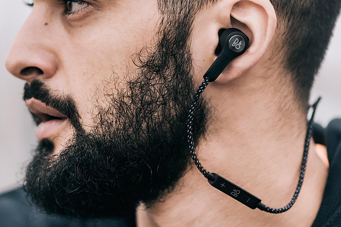 Bang & Olufsen'sBeoplay H5 wireless earphones