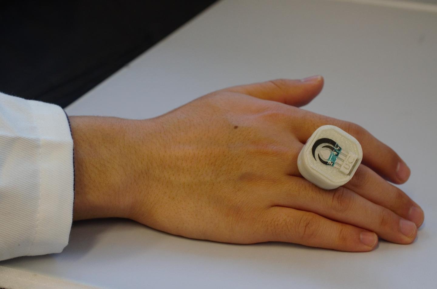 The prototype ring currently detects explosives and nerve agents, but it could reportedly be adapted to detect other harmful elements