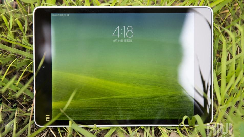 The Mi Pad has the same 7.9-in screen size and 2,048 x 1,536 screen resolution as the Retina iPad mini
