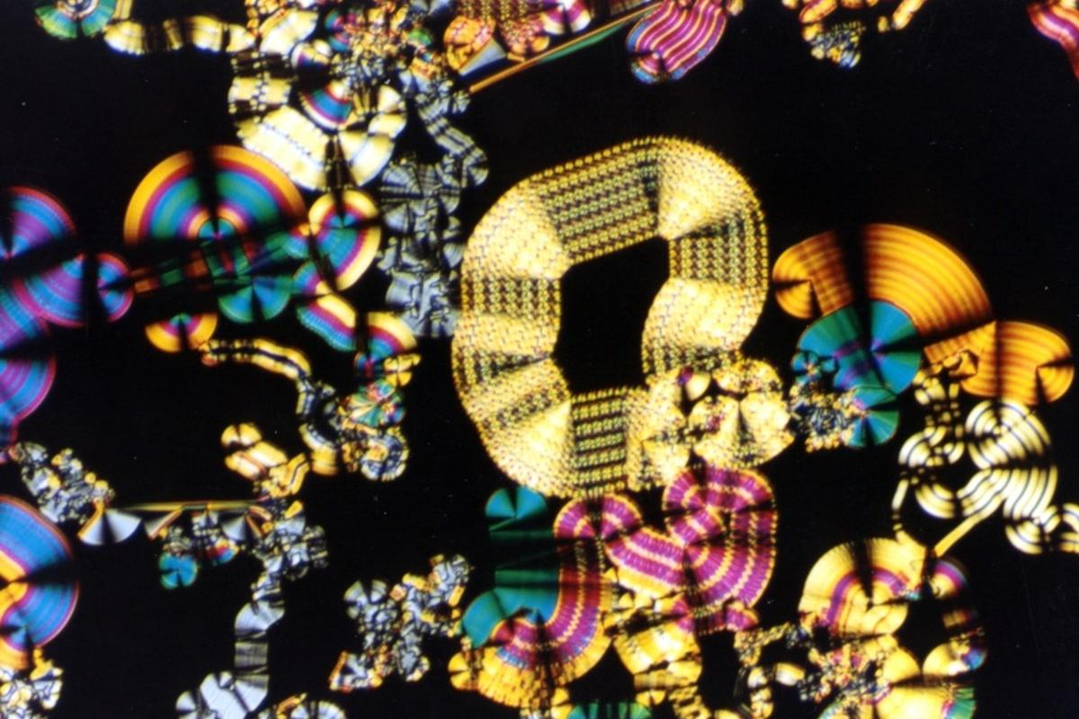 The parallel ordering of liquid crystals make them near-frictionless lubricants (Image: Minutemen/Wikimedia)