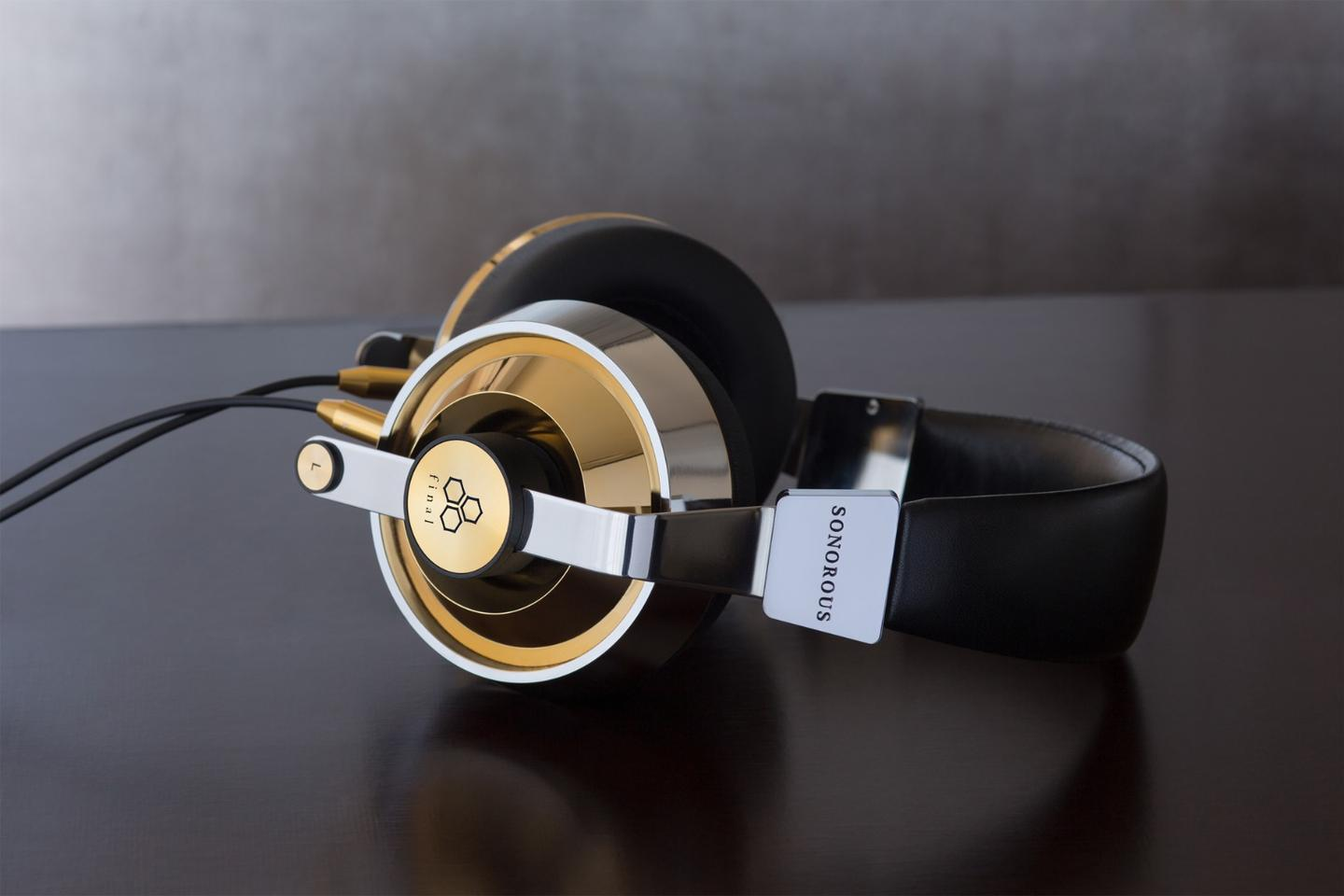 The series flagship Sonorous X headphones released in 2015