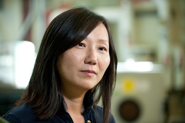Chemical engineering Professor Zhenan Bao (Image: L.A. Cicero)