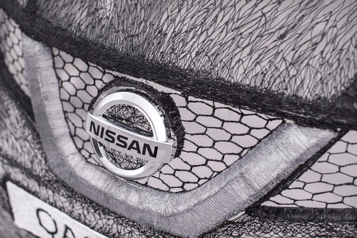 Nissan Qashqai drawn into existence with 3D-printing pens