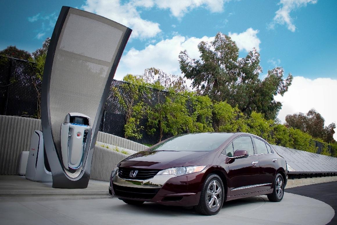 Honda's next gen solar-powered hydrogen fuel cell station