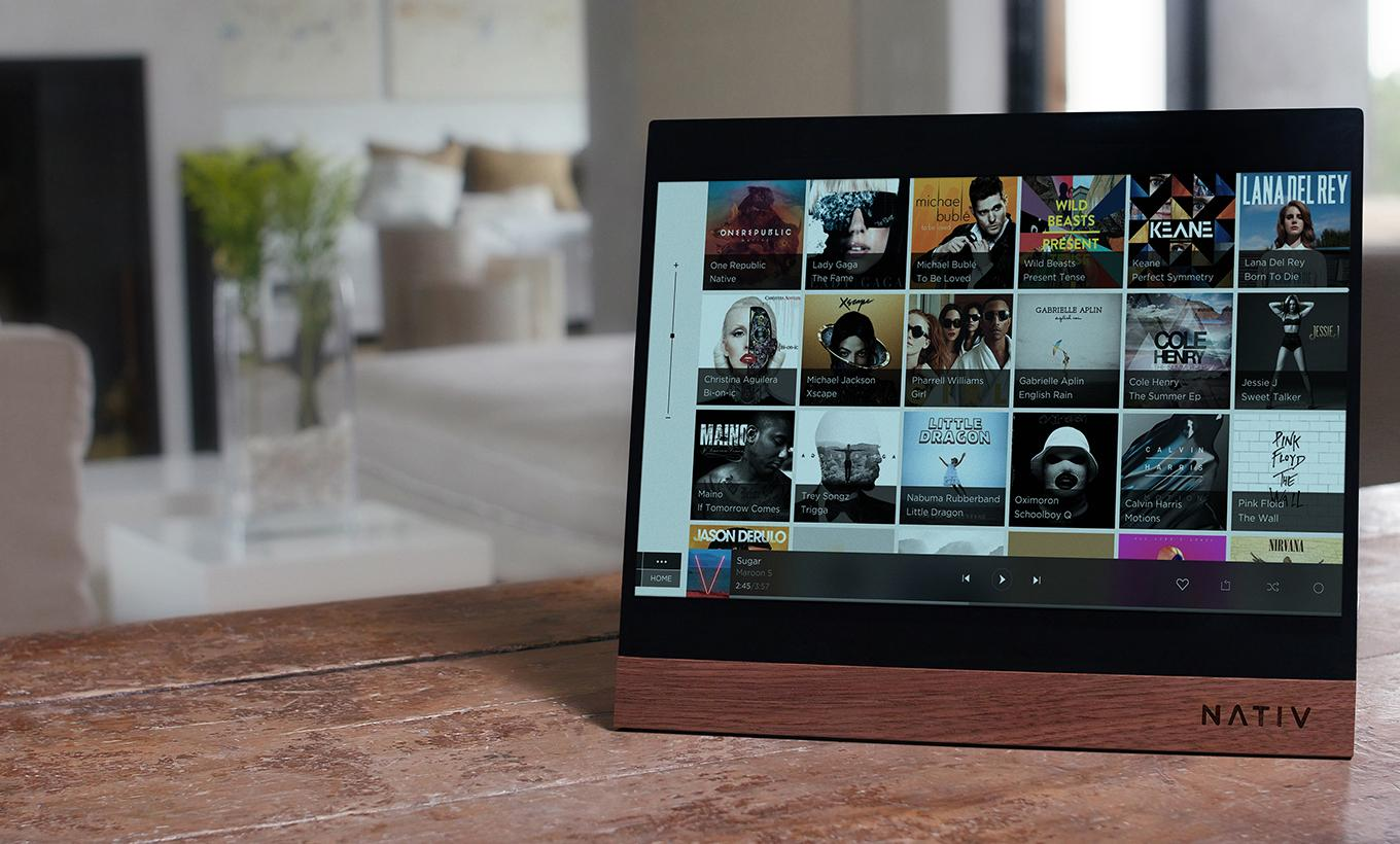 Tablet-sized music player gets a hand on hi-res audio
