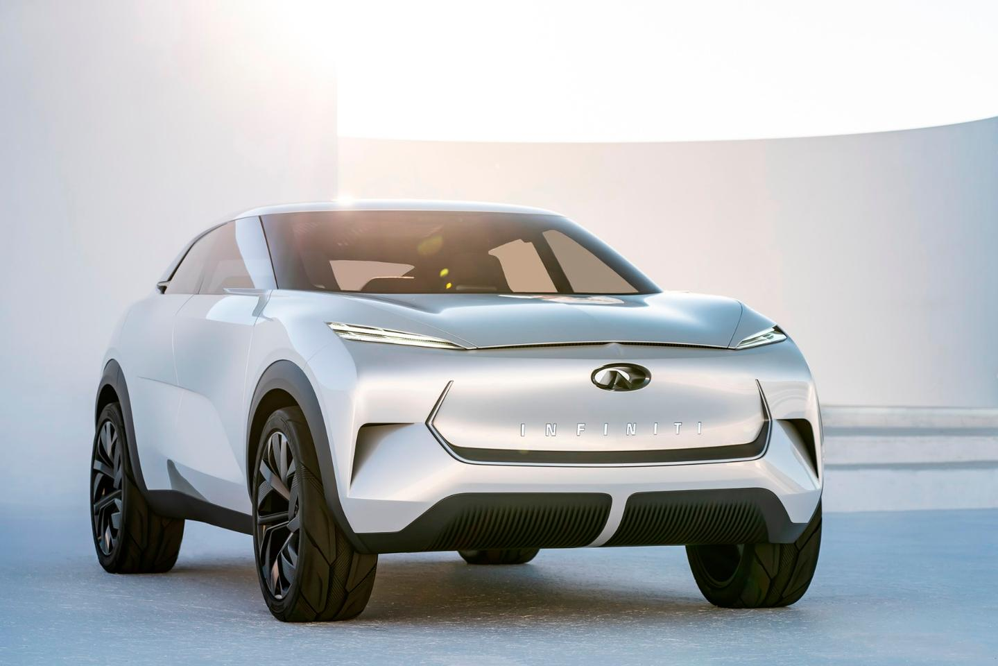 The design of the Infiniti QX concept is clearly contemporary with current crossover-SUVs on the road