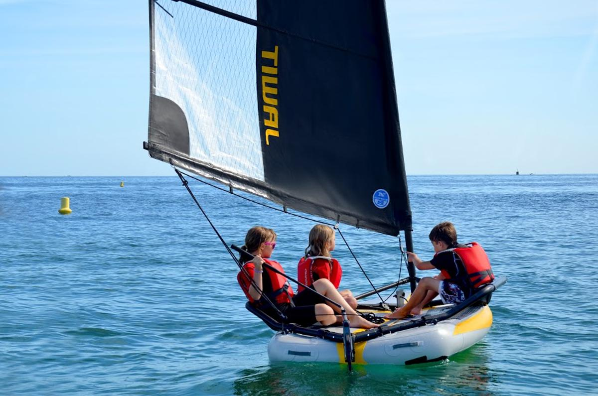 A family tries out the TIWAL 3.2 (Photo: Tiwal)