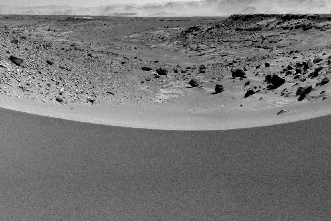 A view of the Martian dune, from Curiosity Rover (Photo: NASA)