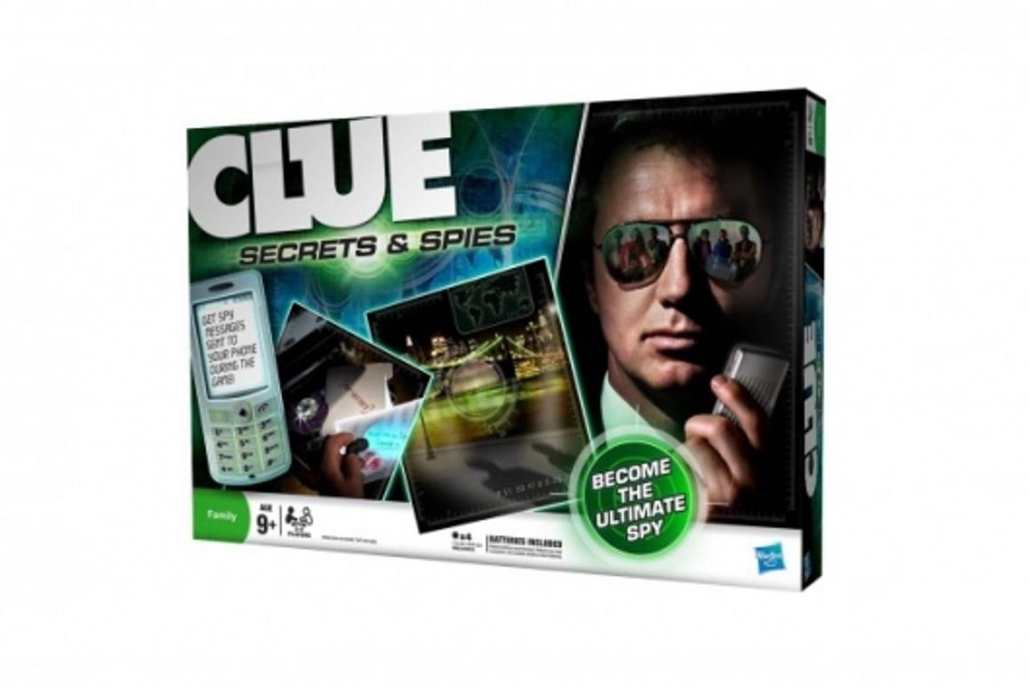 CLUE: Secret & Spies edition uses real-time text messages to send clues