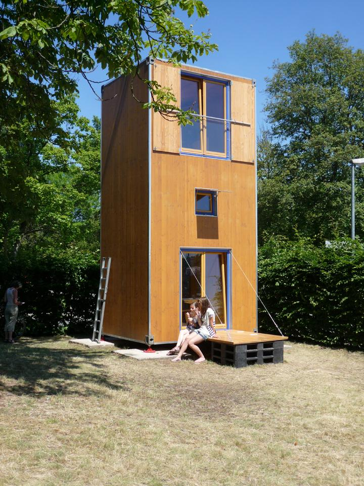 With a small base footprint of just 7 m2 (75 ft2), the HomeBox differentiates itself from traditional container homes by being positioned upright