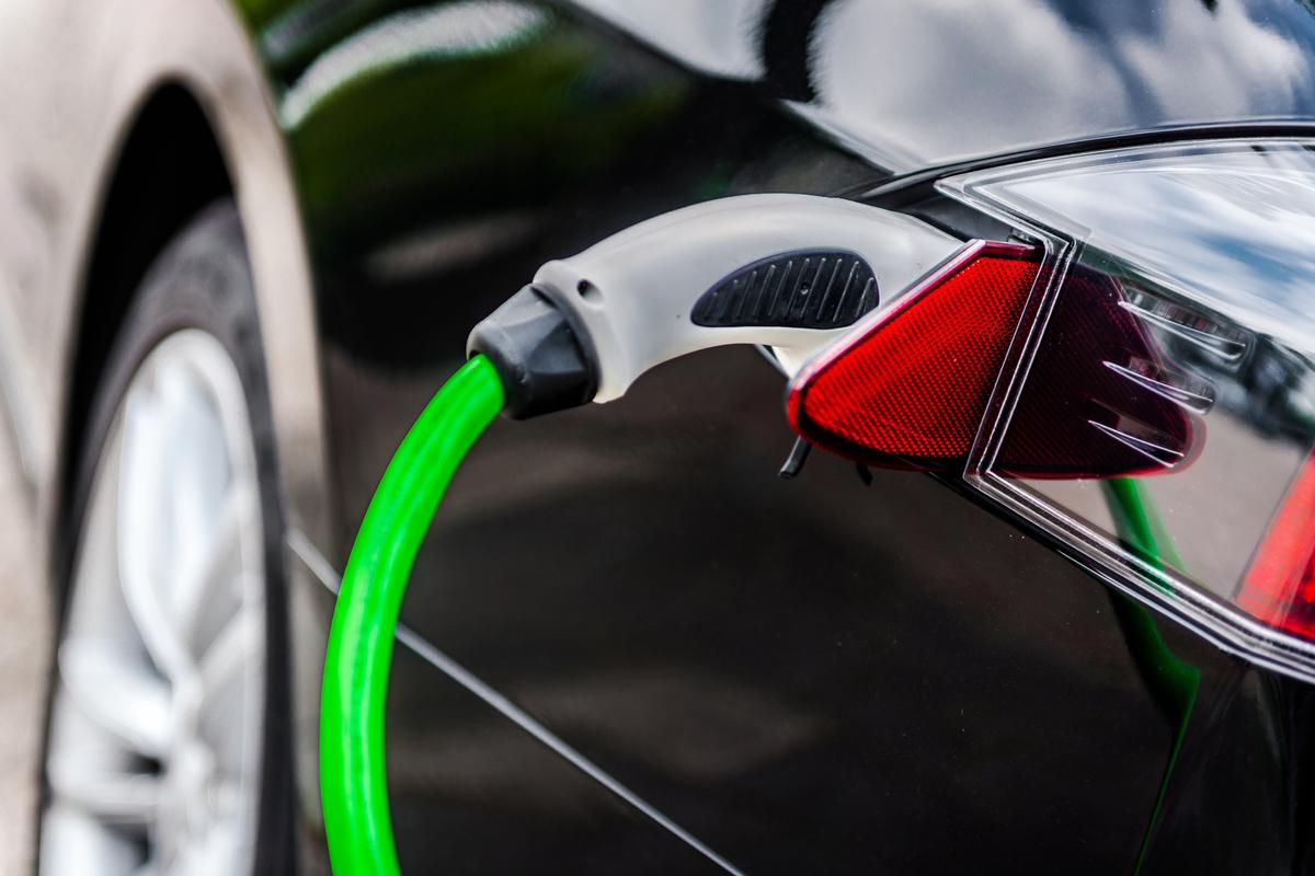 A new battery designed by Harvard researchers could one day see electric vehicles charge in as little as 10 minutes