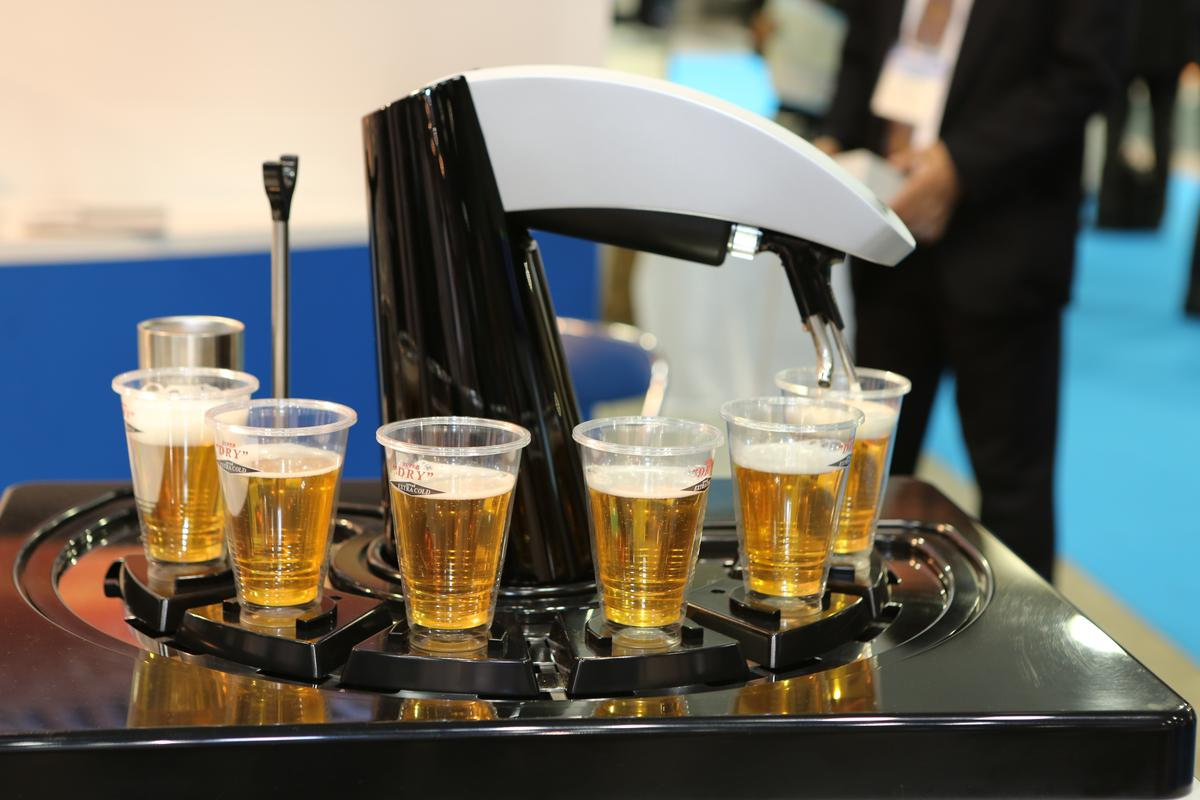 Asahi's new robotic draft beer dispenser