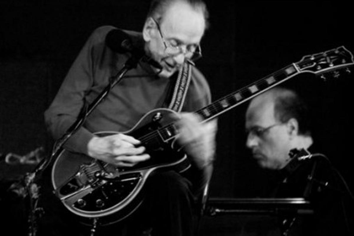 Les Paul Live @ Iridium Jazz Club / NYC (Photo: Thomas Faivre-Duboz, Creative Commons)